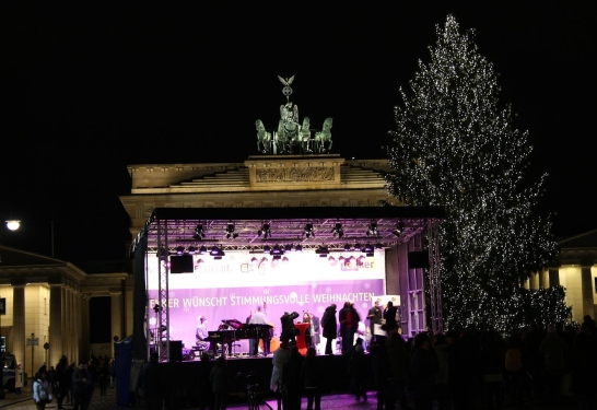 Veranstaltungtechnik Berlin - Mobile Bühne mieten 10 m x 6 m